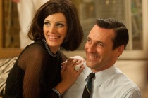 Mad Men's Jessica Paré Dishes on 'Zou Bisou' and Floor Sex