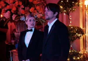 Happy Endings Elisha Cuthbert Zachary Knighton