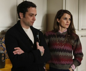 THE AMERICANS -- Safe House -- Episode 9 (Airs Wednesday, April 3, 10:00 pm e/p) -- Pictured: (L-R) Matthew Rhys as Philip Jennings, Keri Russell as Elizabeth Jennings -- CR: Craig Blankenhorn/FX