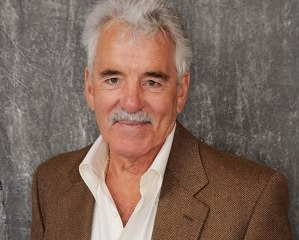 Dennis Farina Dies