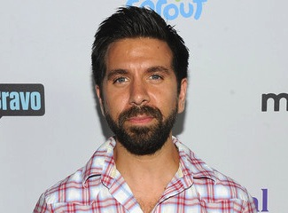 Castle Season 6 Joshua Gomez Of Chuck Cast In Time Travel Role Tvline He is the younger brother of actor rick gomez. tvline