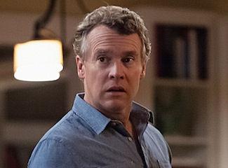 Hostages Preview Tate Donovan