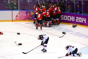 womens-hockey-us-lose-300
