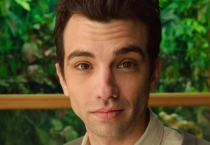 Jay Baruchel Man Seeking Woman