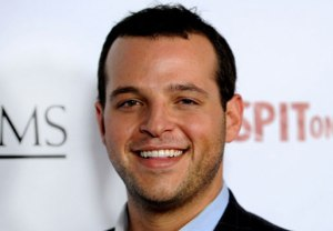 Daniel Franzese on Looking