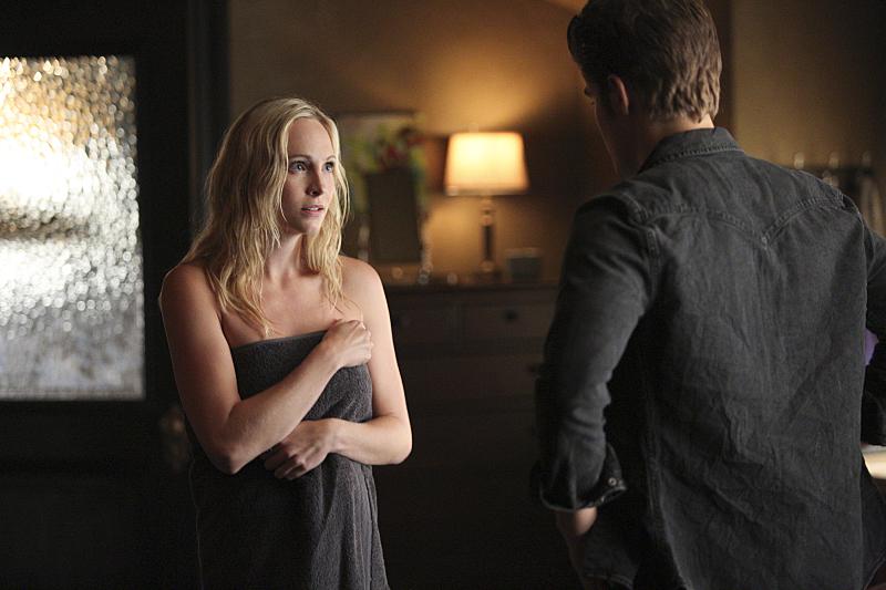 Vampire Diaries New Stefan Caroline Photos Season 6 Spoilers Tvline