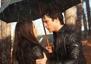 Damon Elena Rain Kiss