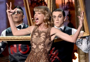 Taylor Swift Blank Space AMAs