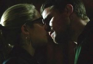 Arrow Oliver Felicity Kiss