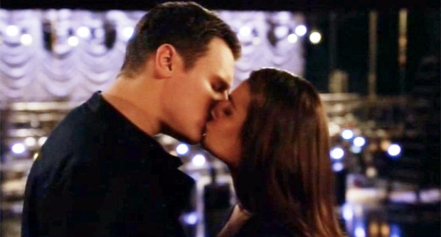 Glee Rachel Jesse Kiss