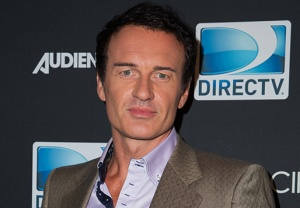 Julian McMahon Hunters