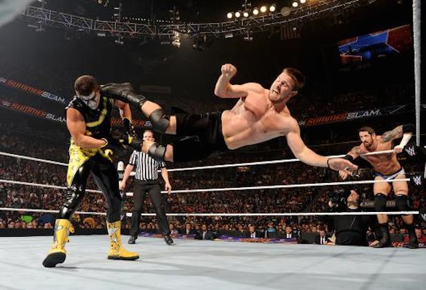 Amell Wins WWE Slammy