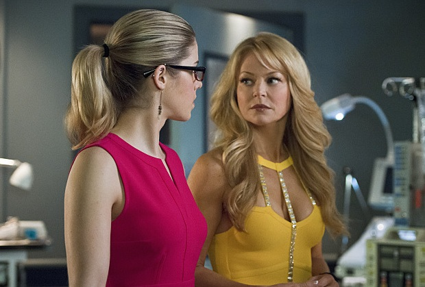 Arrow Felicity's Mom Returns
