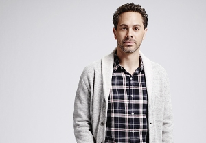 Thomas Sadoski Newsroom SVU Photos