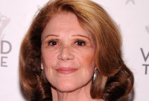 Mom Linda Lavin