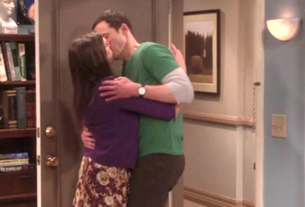 Kiss sheldon penny and Sheldon and
