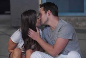 New Girl Nick Reagan Kiss