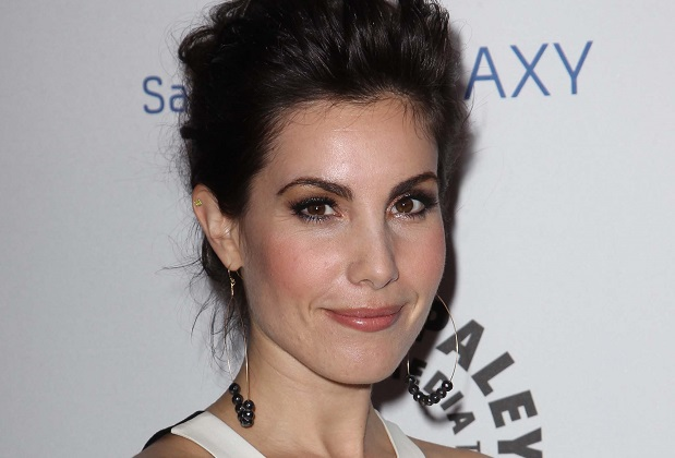Arrow Casts Carly Pope