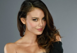 Vampire Diaries Casts Nathalie Kelley as Sybil