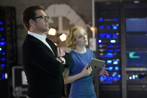 """The Necklace""--Dr. Jason Bull (Michael Weatherly), the brilliant, brash founder of a prolific trial consulting firm, combines psychology, human intuition and high tech data to create winning strategies that steer high-stakes trials in his clients' favor, on the series premiere of BULL, Tuesday, Sept. 20 (10:00-11:00 PM, ET/PT), on the CBS Television Network. Pictured L-R: Michael Weatherly as Dr. Jason Bull and Geneva Carr as Marissa Morgan Photo: David M. Russell/CBS ©2016 CBS Broadcasting, Inc. All Rights Reserved"