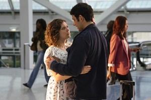Crazy Ex Girlfriend Scoop Greg Leaving Rachel Bloom