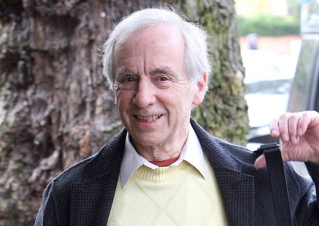 Andrew Sachs Dead Fawlty Towers Manuel
