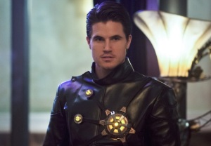 The Flash Robbie Amell Returns