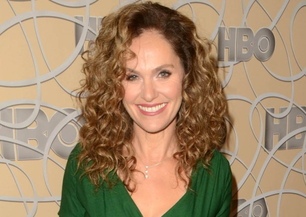 Amy Brenneman Cast The Get CBS Drama Pilot Journalism