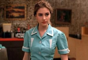 Twin Peaks Shelly