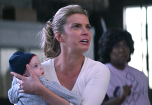 GLOW Season 1 Episode 1 Babies Fight Debbie