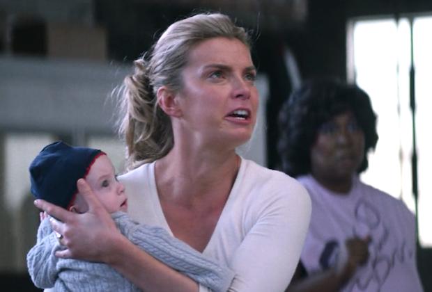 GLOW Season 1 Episode 1 Babies Fight Debbie