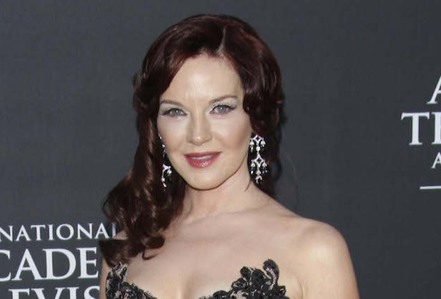 Youre the Worst Robin Riker Cast Season 4 Lindsay mother mom