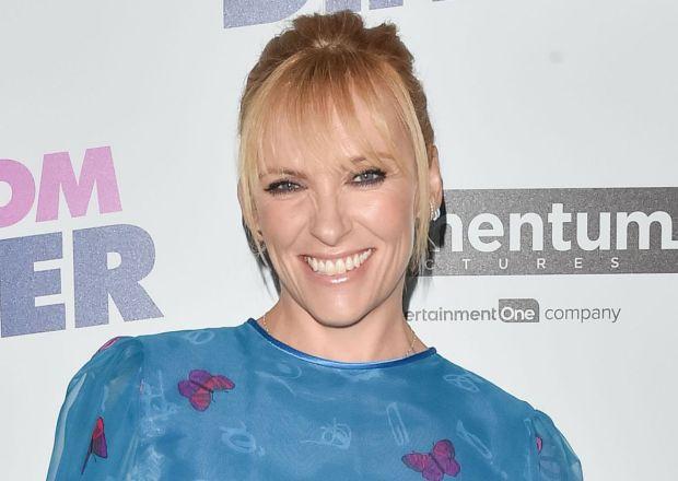 Toni Collette Cast Wanderlust Netflix Drama