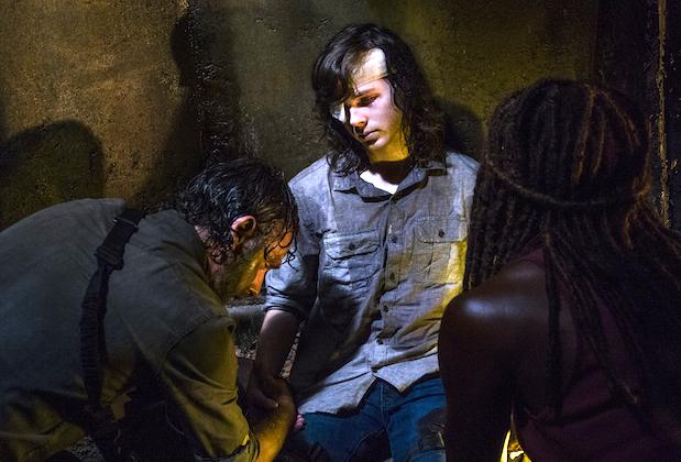 the walking dead ratings down fall finale