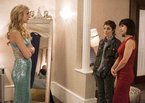 UnREAL Season 3 Premiere Serena Rachel Quinn