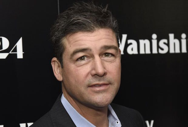 Kyle Chandler Catch 22 Cast George Clooney Hulu