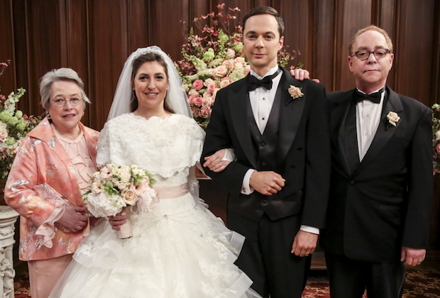 Big Bang Theory Kathy Bates Recast As Amy S Mother In Season 11 Finale Tvline