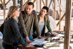 fear the walking dead season 4 episode 4 recap laura naomi killed