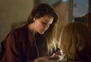 The Americans Season 6 Episode 8 Elizabeth Bug