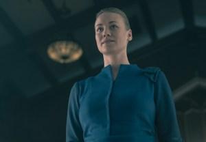 The Handmaids Tale Finale Yvonne Strahovski Interview Season 2