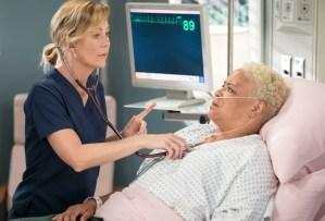 greys-anatomy-season-15-episode-1-recap meredith sex alex new chief