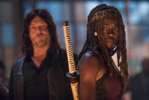 the-walking-dead-recap season-9-premiere-episode 1 gregory killed hanged