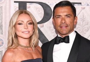 Riverdale Kelly Ripa Mark Consuelos