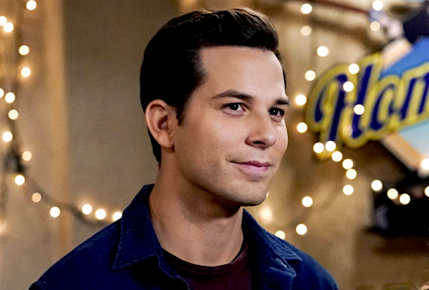 Crazy Ex-Girlfriend Greg Skylar Astin