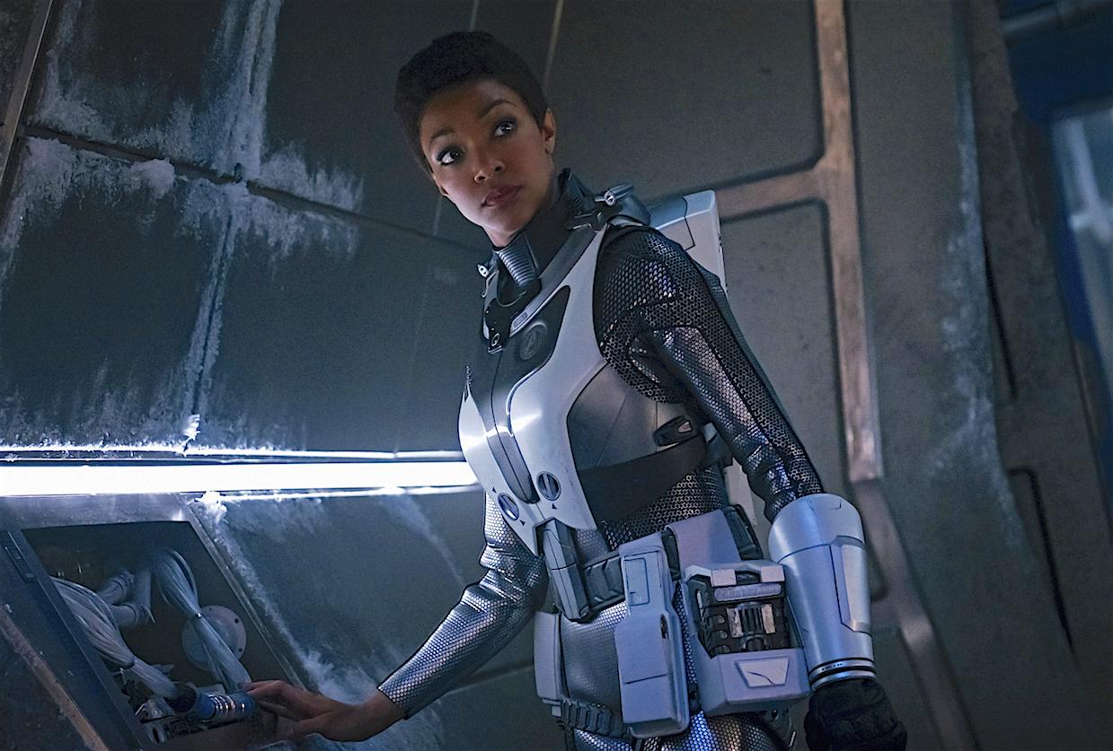 Star Trek Discovery Recap Season 2 Premiere Captain Pike Debuts Tvline