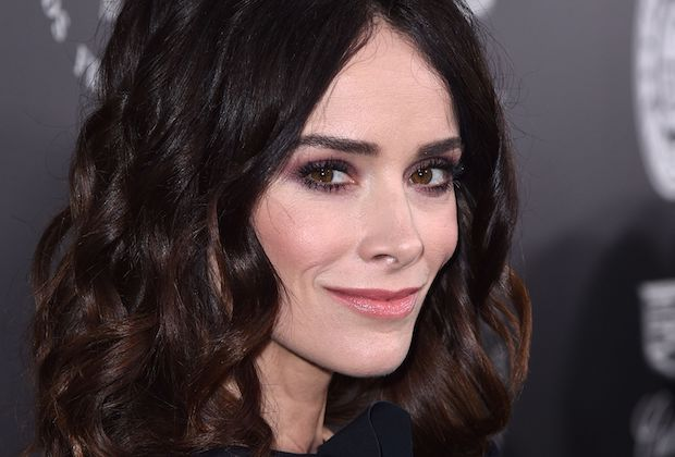 Abigail Spencer Hulu Series
