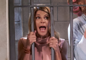 fuller house aunt becky lori loughlin season 5