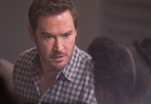 The Passage Finale Season 1 Mark-Paul Gosselaar Interview