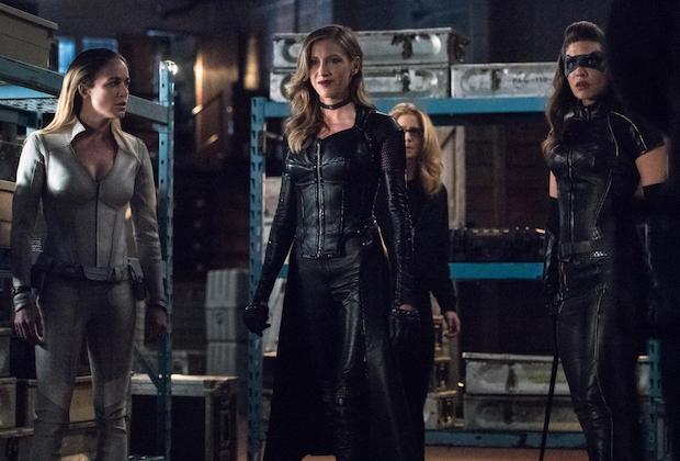 Arrow 7 18 Photos Laurel Felicity Sara And Dinah In Birds Of Prey Inspired Episodes Tvline