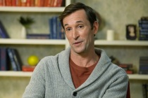 The Red Line's Noah Wyle Previews 'Profound' CBS Series — Watch Video